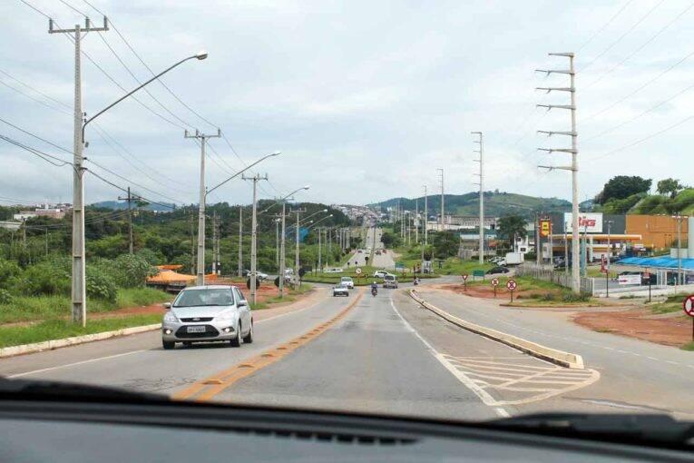 Sair dirigindo desde o Aeroporto de Guarulhos pode ser uma vantagem, dependendo do seu destino.