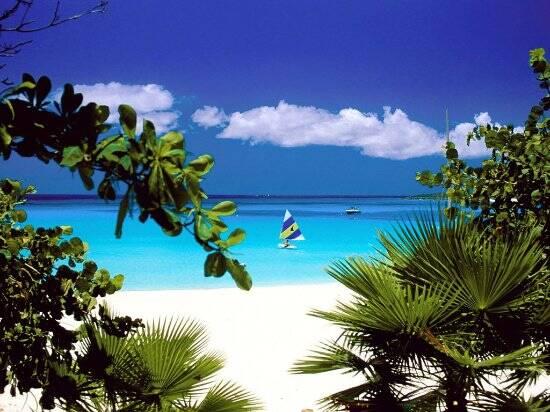 A maravilhosa praia de Santo André na Bahia. um destino para as férias de julho
