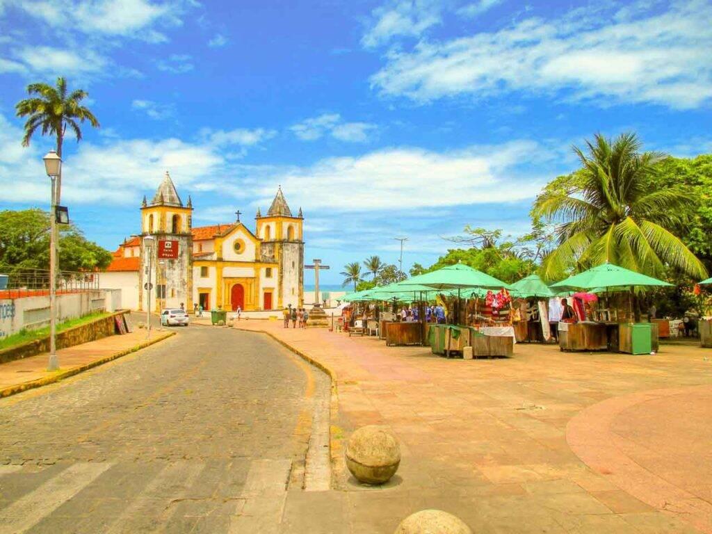 Ruas e pracinhas de Olinda, Pernambuco. Cidades lindas para visitar no Brasil
