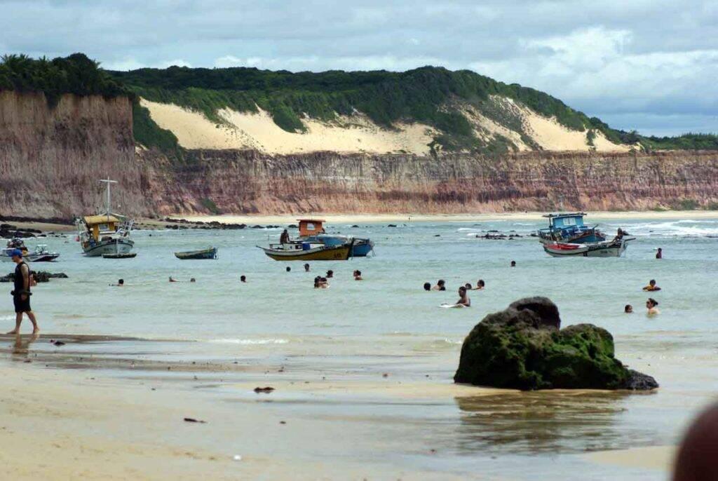 Paisagem praiana de Pipa, RN. | Foto: Marcio Rogerio - cidades charmosas do Brasil