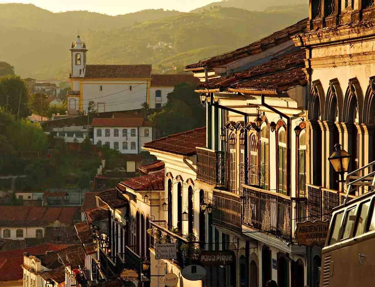 Cidade de Ouro Preto, uma das mais conhecidas cidades históricas pela sua história e arquitetura do Brasil.
