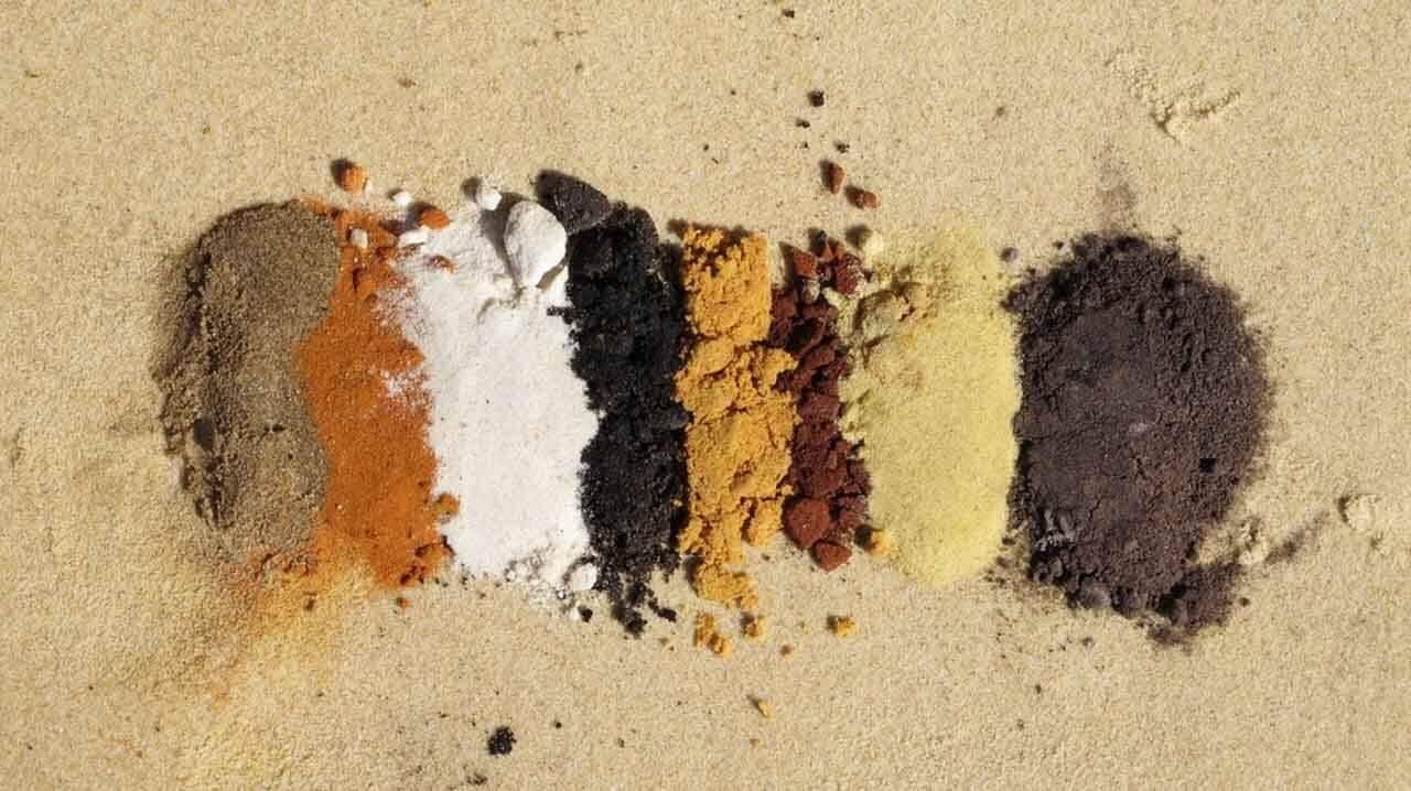 Areias coloridas na Austrália.