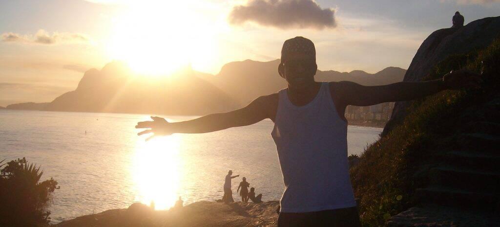 Curtindo o pôr do sol no Arpoador, após o curso STCW no Rio de Janeiro