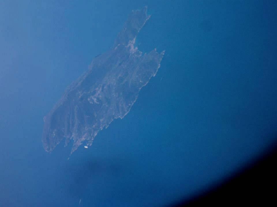 O pontinho branco era o Costa Concordia, naufragado no início de 2012.