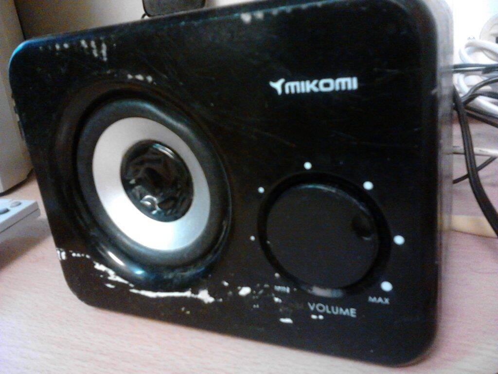 MIKOMI: Caixinha de som do meu cabin mate de navio, não aguentei (risos).