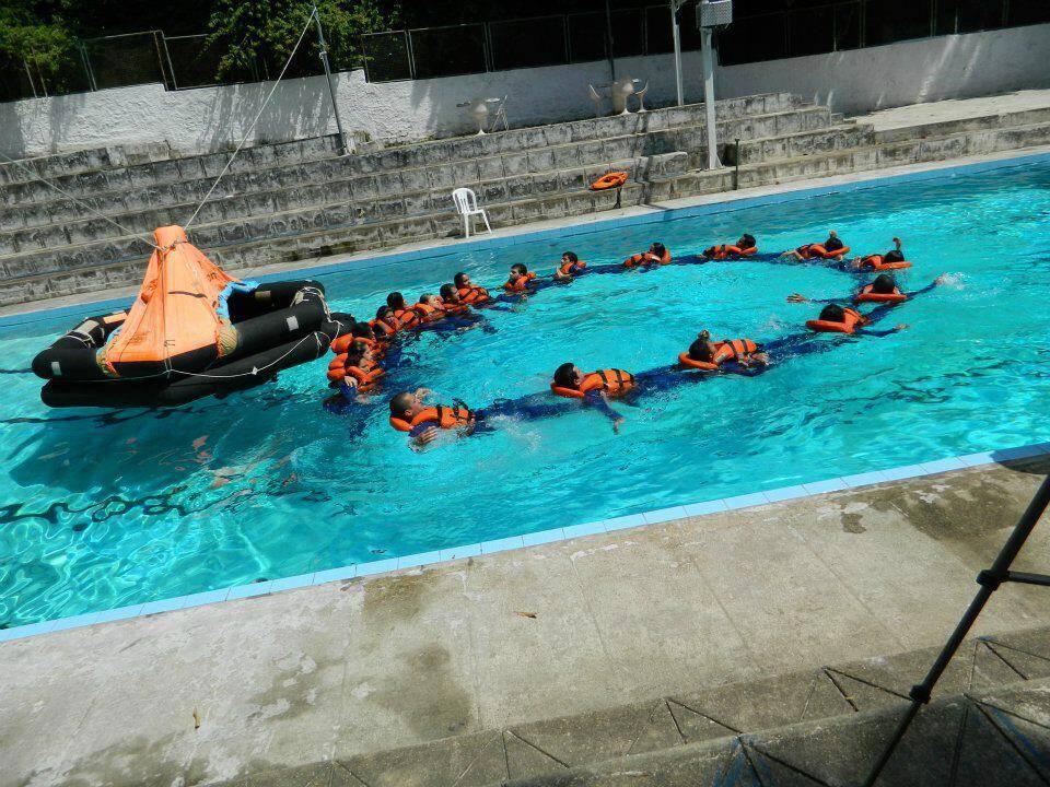Durante a nossa aula de sobrevivência no curso.