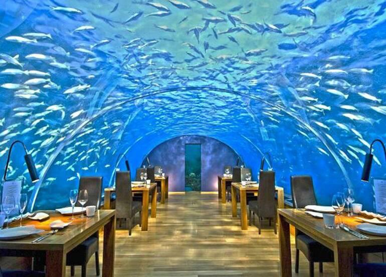 Ithaa Undersea Restaurant (Maldivas). Restaurantes com as vistas mais espetaculares do mundo.