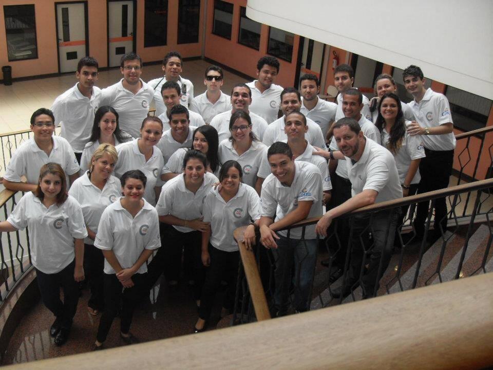 """Nosso grupo de futuros tripulantes da Costa, durante o curso """"Ready for Excellence"""" - na triste semana de carnaval"""