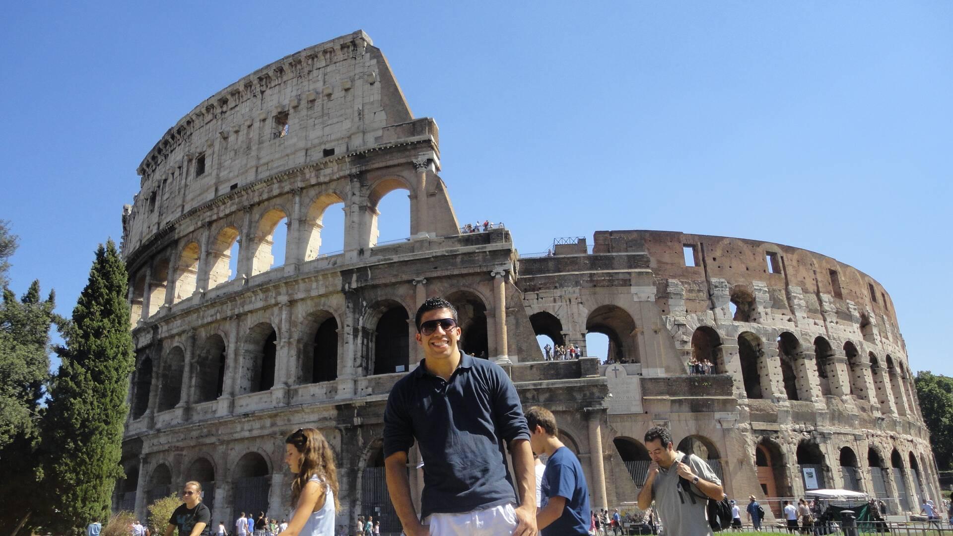 O Coliseu de Roma, na Itália. Trabalhar em navio de cruzeiros