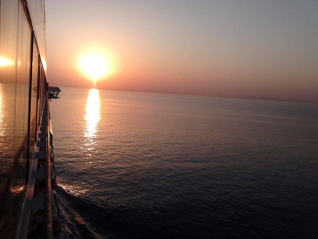 Sunrise_nascer_do_sol - sunset_por_do_sol at black sea - europe - navio - histórias da vida a bordo