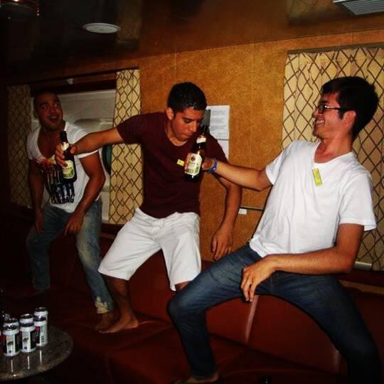 Crew Party - Bar - Godoi - Jhonata. E então eu era um tripulante