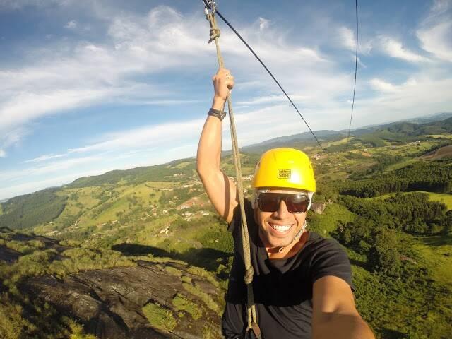 Descendo a maior tirolesa da América Latina, em Pedra Bela - SP. - bate volta são paulo