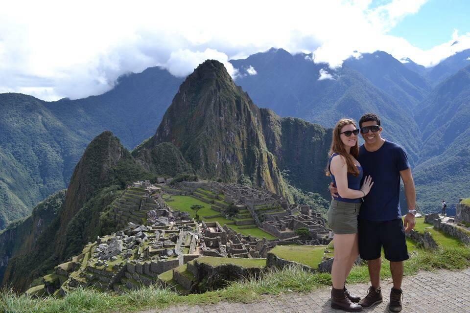 Viajar não é só sobre lugares, importante é estar onde quer com quem te faz feliz - Casal viajando no Peru, Machu Picchu