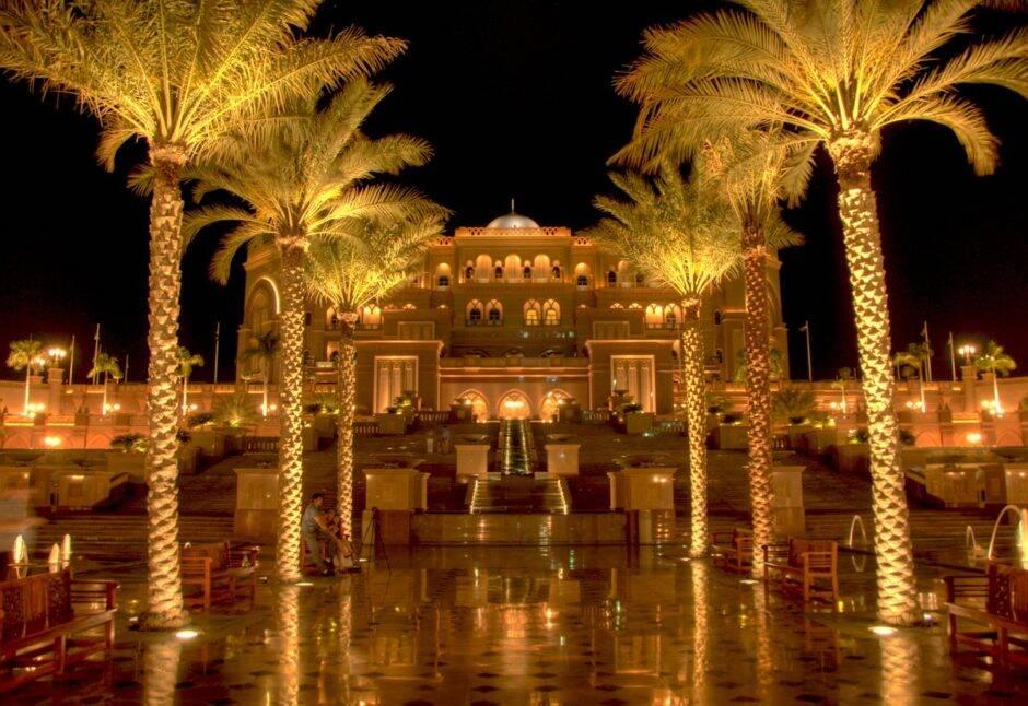 emirates-palace-hotel-abu-dhabi-940x646
