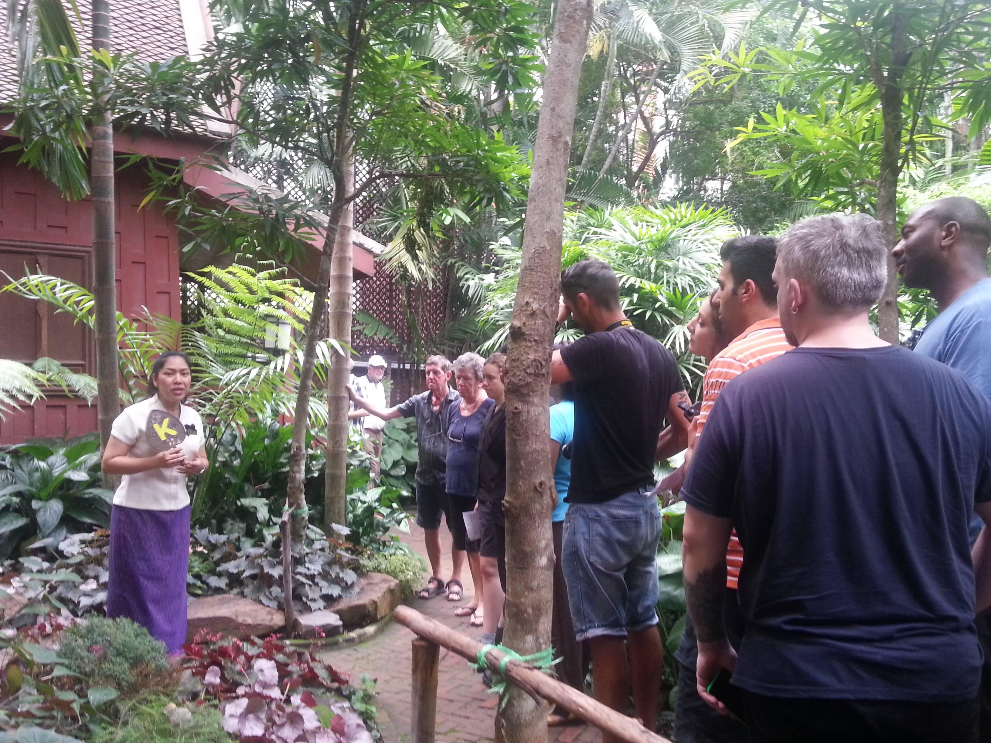 Guia tailandesa com o nosso grupo