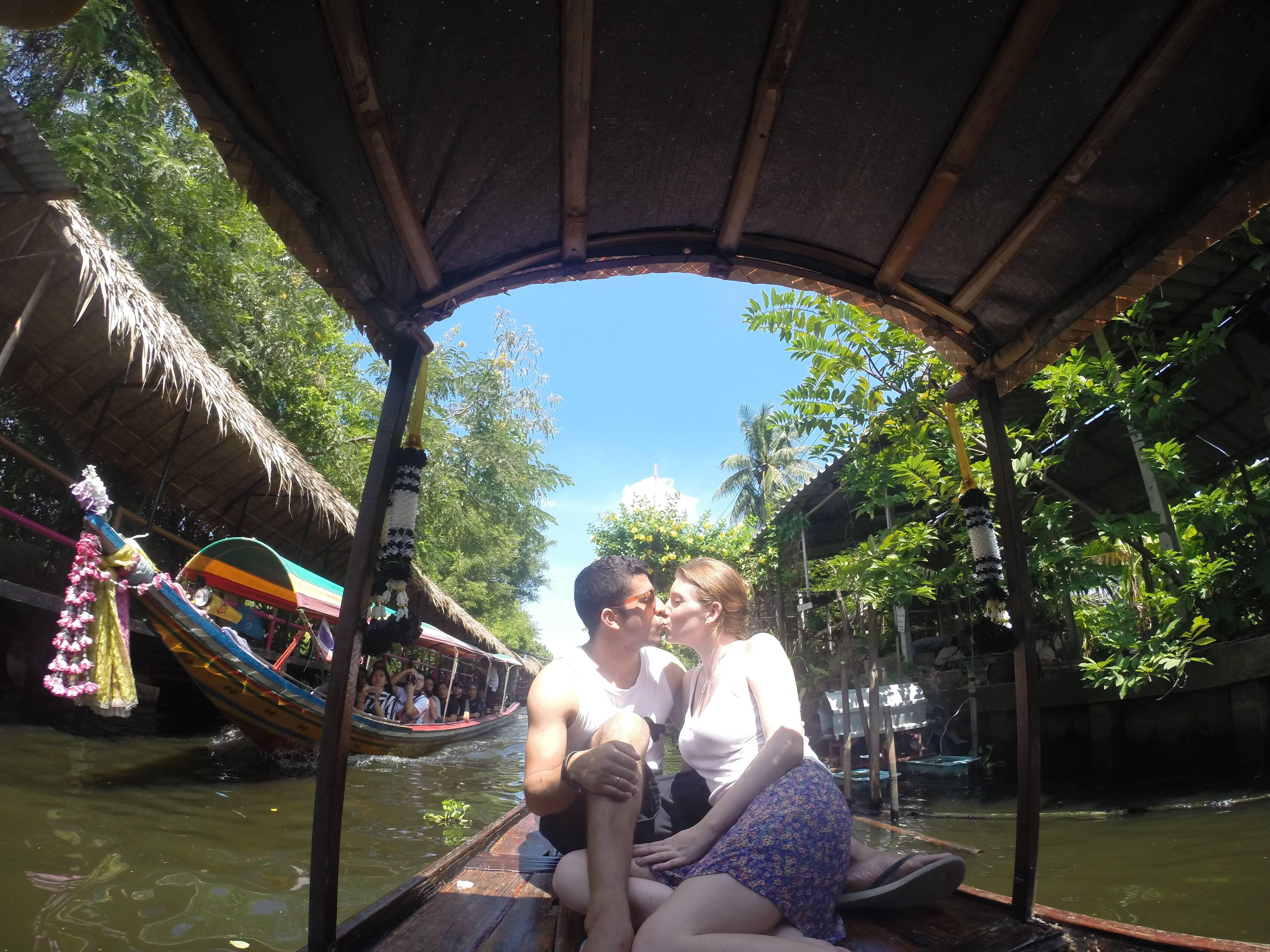 Entre os canais da região do Khlong Lat Mayom - Taling Chan - mercado flutuante