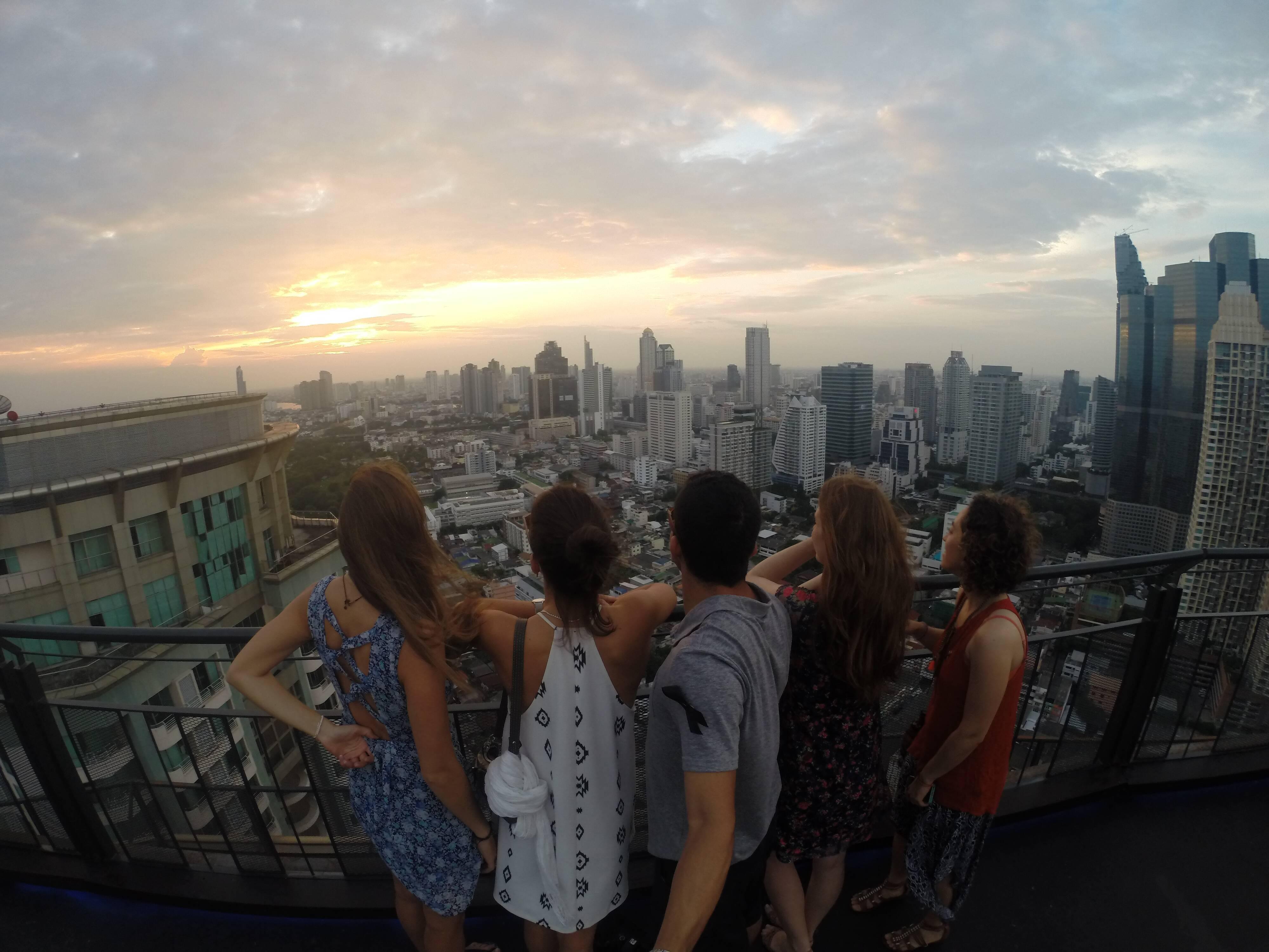 Vista maravilhosa do Zoom Sky Bar, em Bangkok