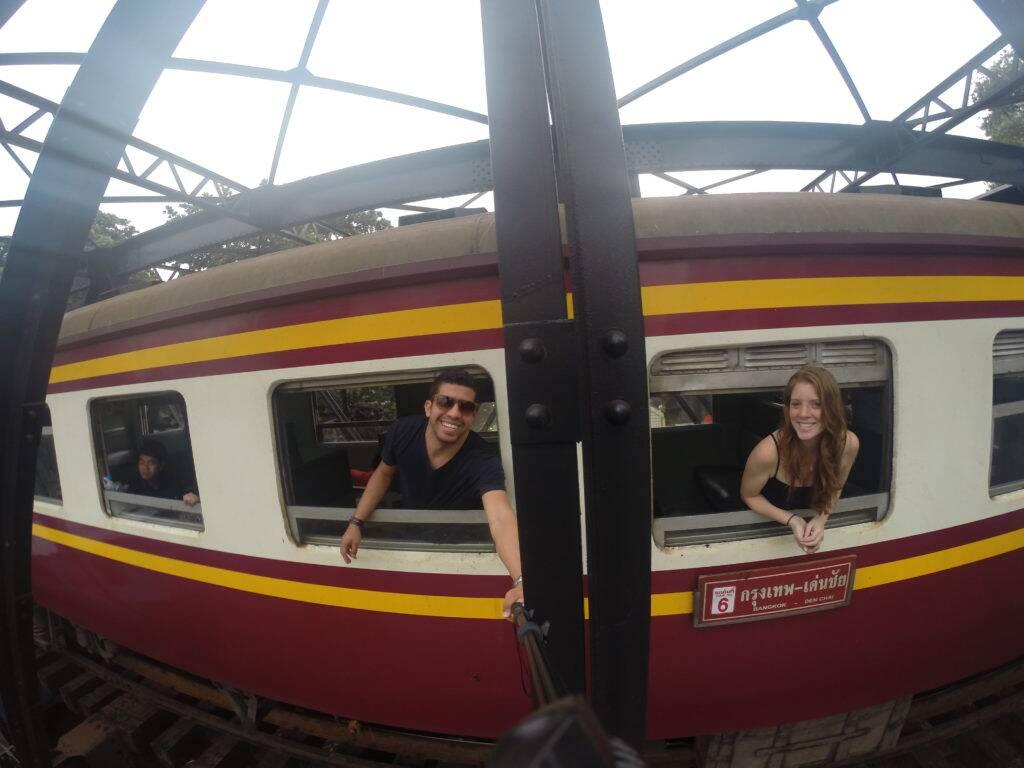 Trem na Tailândia