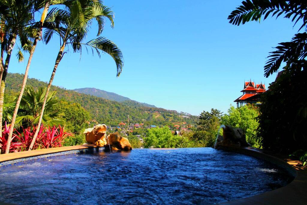 Piscina do Panviman Chiang Mai Spa Resort