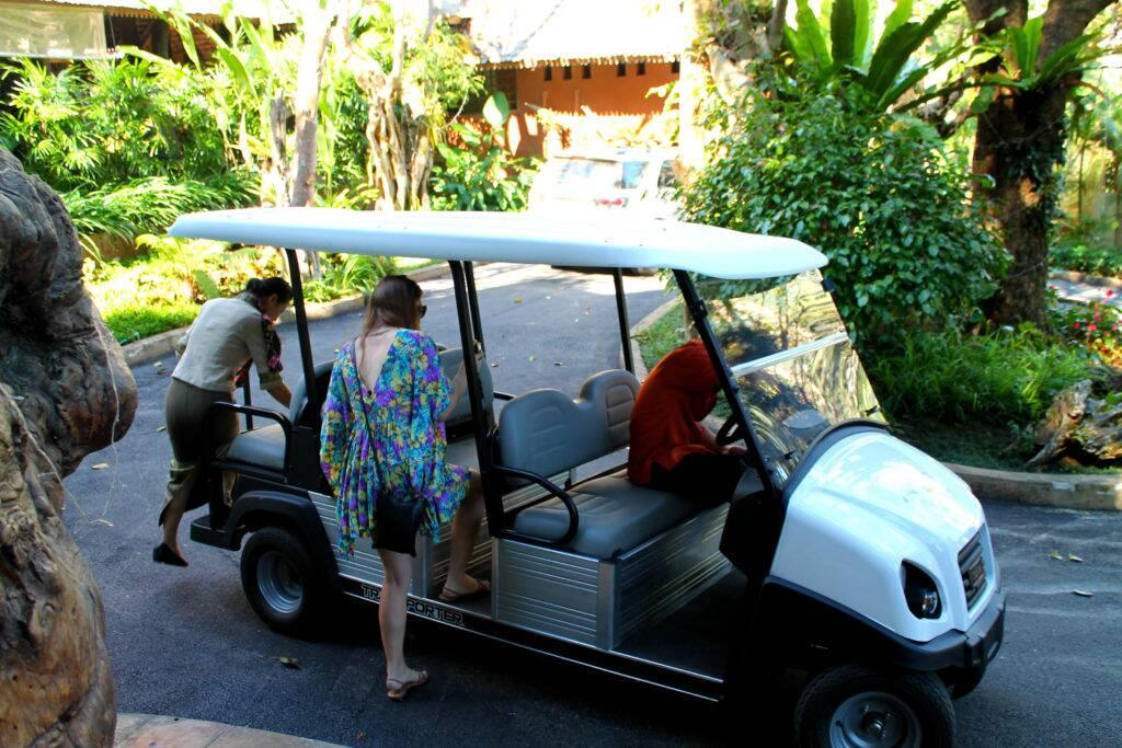 Panviman Chiang Mai Spa Resort - O carrinho de golfe que roda todo o resort