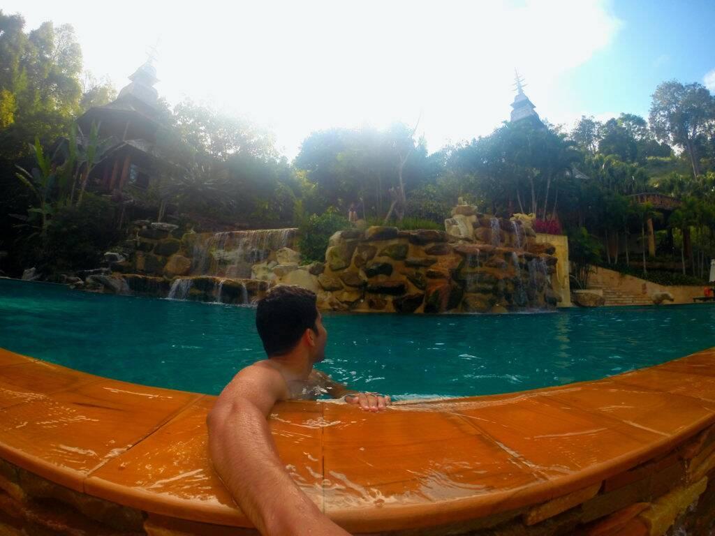 Panviman Chiang Mai Spa Resort - Piscina de dois andares e borda infinita maravilhosa