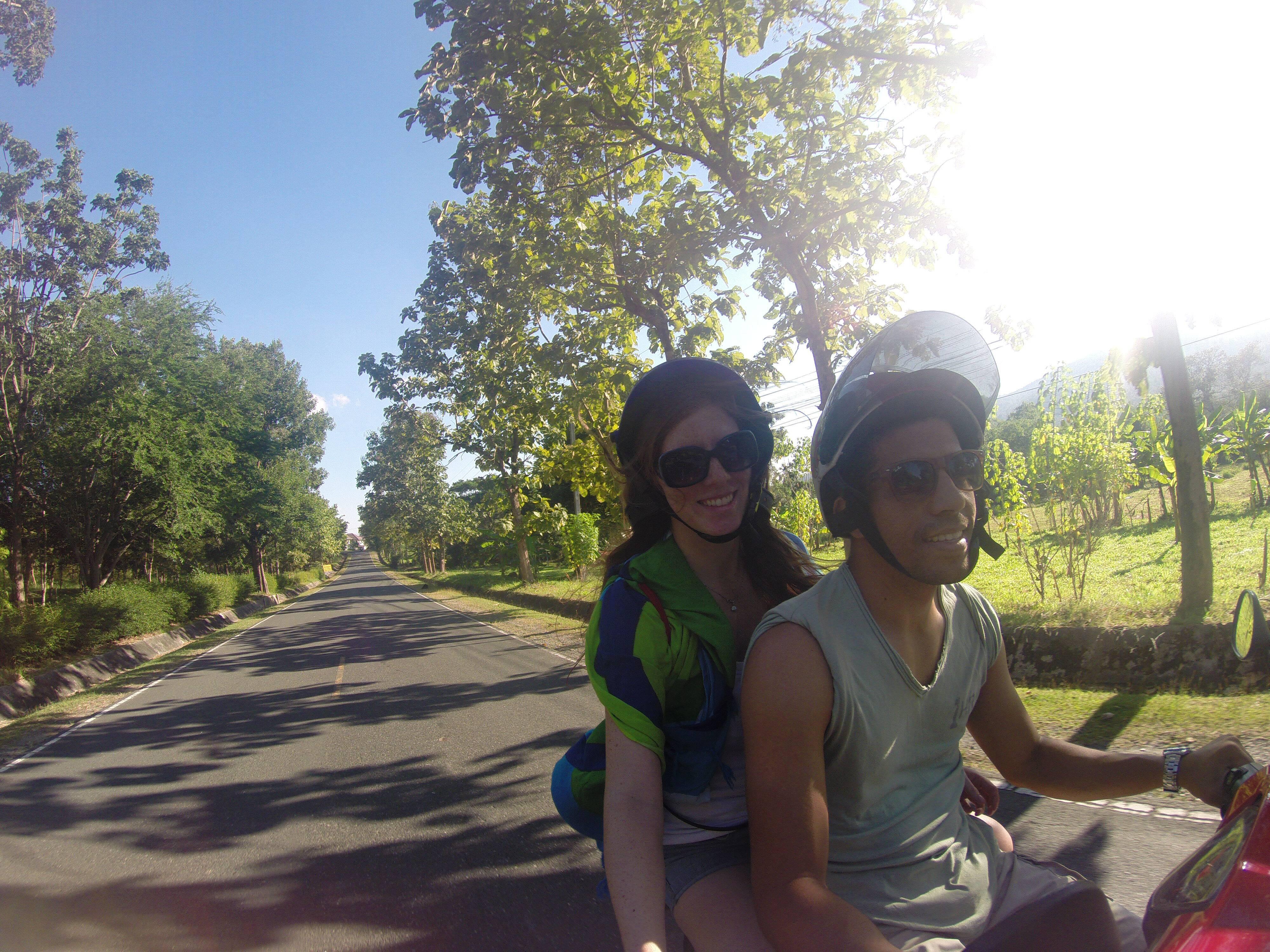 Nas ruas de Chiang Mai - três meses viajando