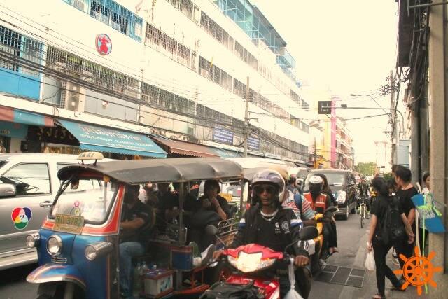 Bamrung_Muang_RD_Bangkok (4)