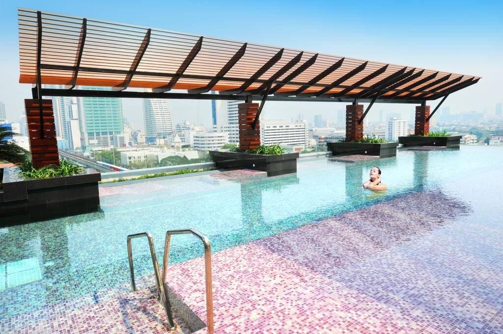 Cinnamon Residence - piscina em Bangkok