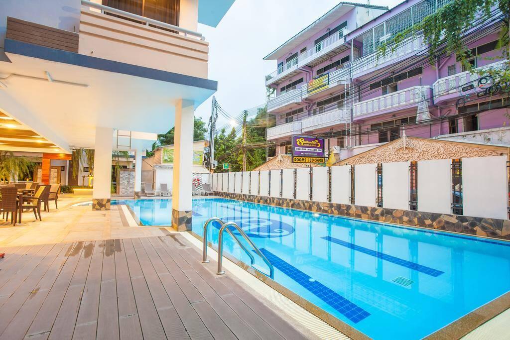 New Siam Palace Ville - piscina em Bangkok