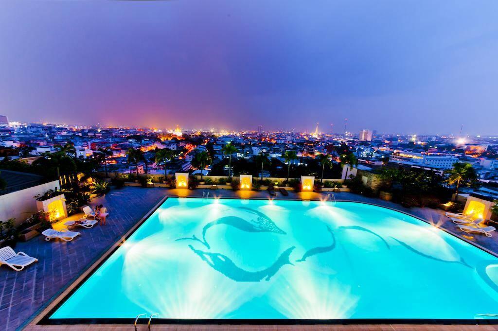 Prince Palace - pool