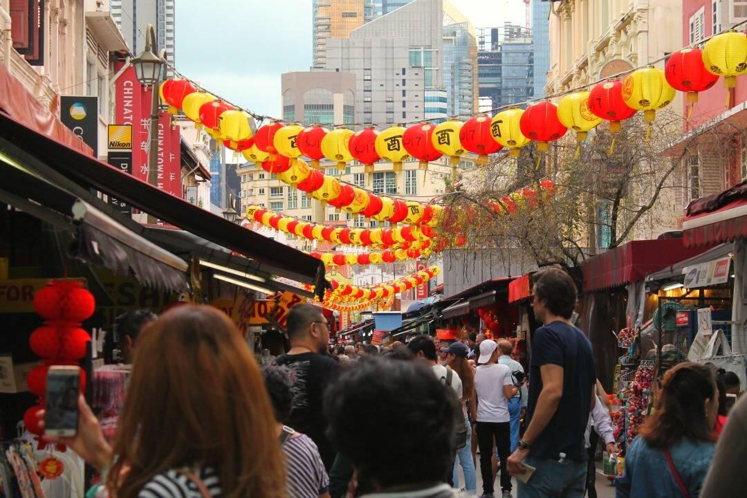 Pelas ruas de Chinatown.