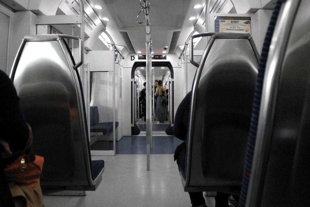 Vagão de trem do KTM em Kuala Lumpur