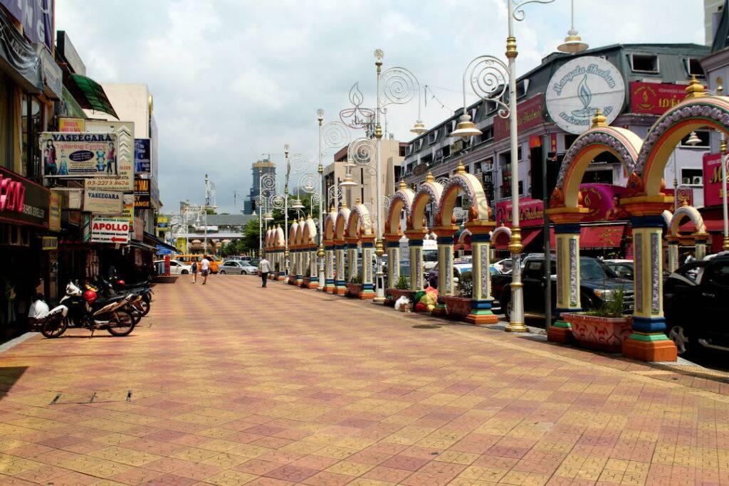 Rua principal de Brickfields, Little India - onde ficar em Kuala Lumpur
