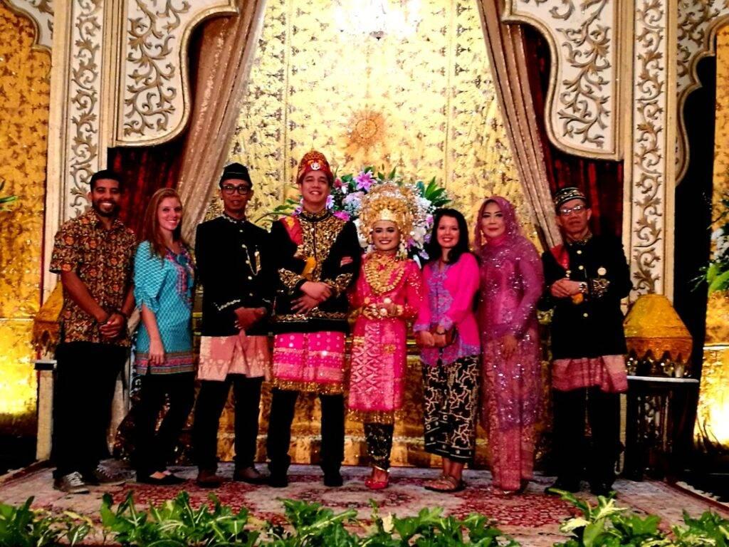 Casamento tradicional em Jakarta, capital do país. - dez imagens
