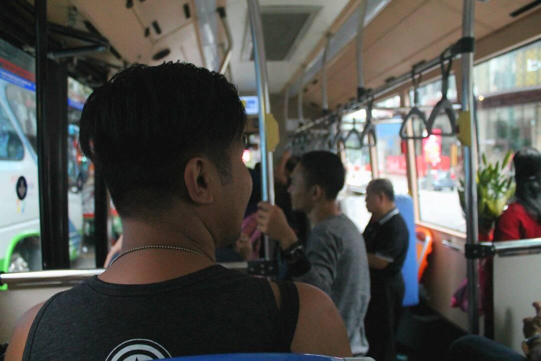 Dentro do GO KL indo para alguma das atrações de Kuala Lumpur