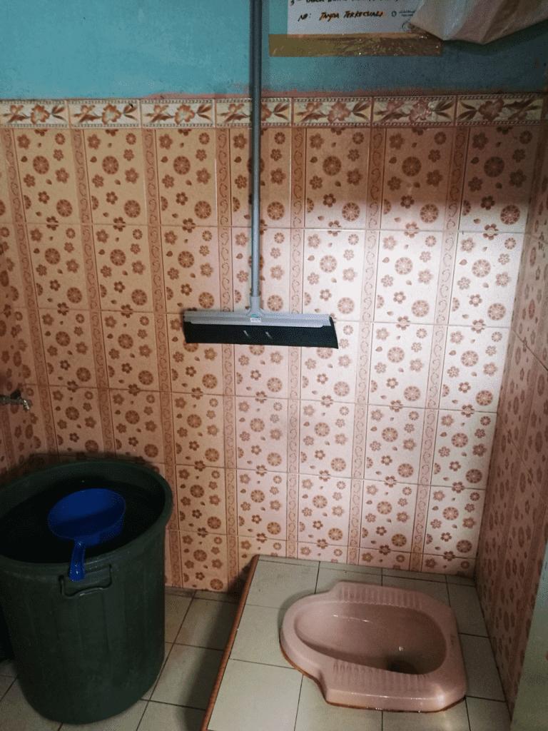 Banheiro na Indonésia - viajar em sumatra