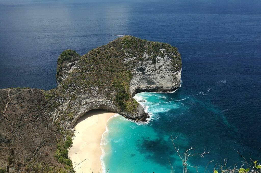 Nusa Penida Kelingking Beach na ilha de Bali na Indonesia
