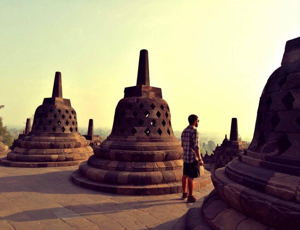 Borobudur templo budista em Yogyakarta na Indonesia - Viagem pela Ásia