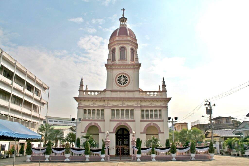 Igreja Santa Cruz, em Bangkok (Tailândia)