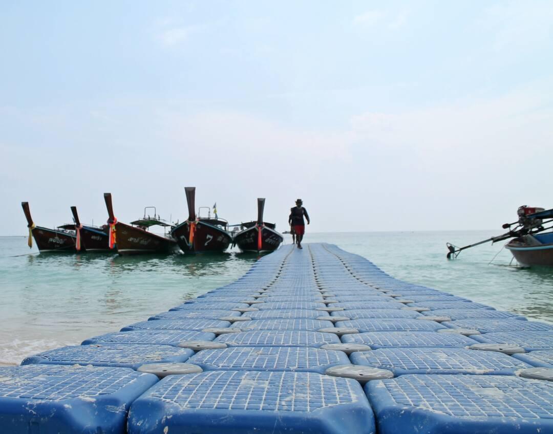Plataforma flutuante de Patttaya Beach em Koh Lipe   Foto: Bruno/@naproadavida