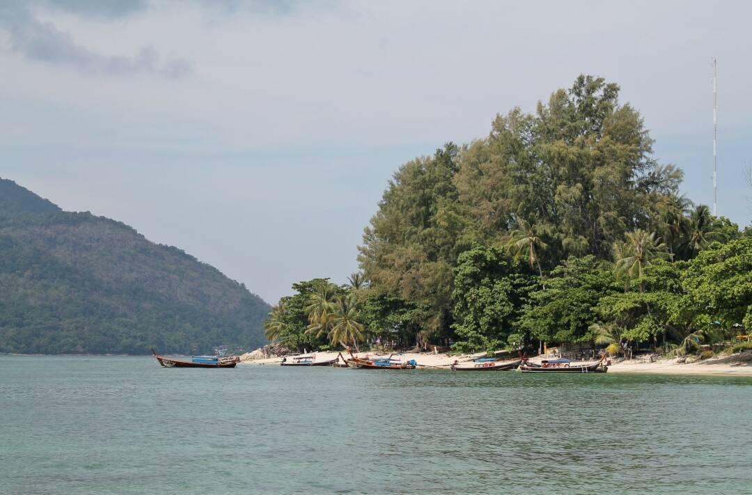 Vagando de praia em praia na ilha de Koh Lipe