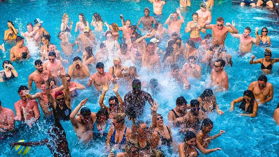 Ibiza House Phi Phi - Pool Party