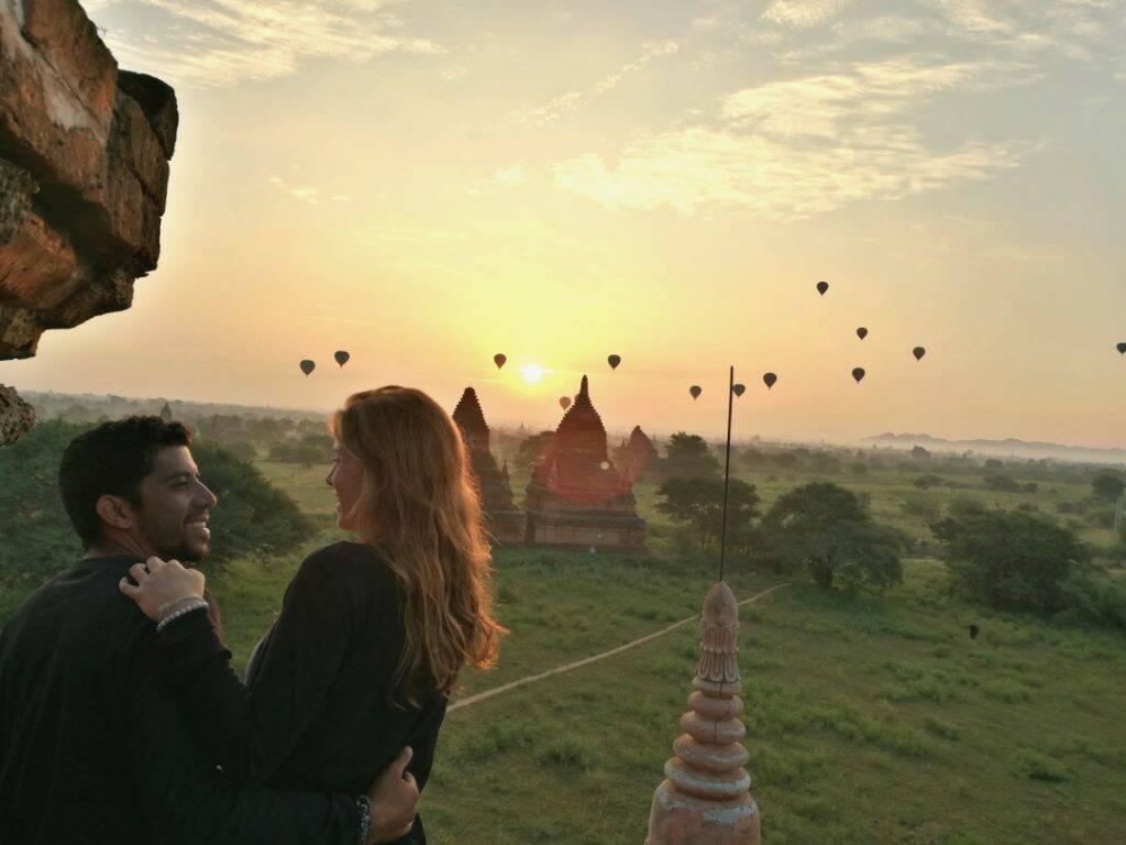 Um amanhecer mágico em Bagan e os balões no Myanmar