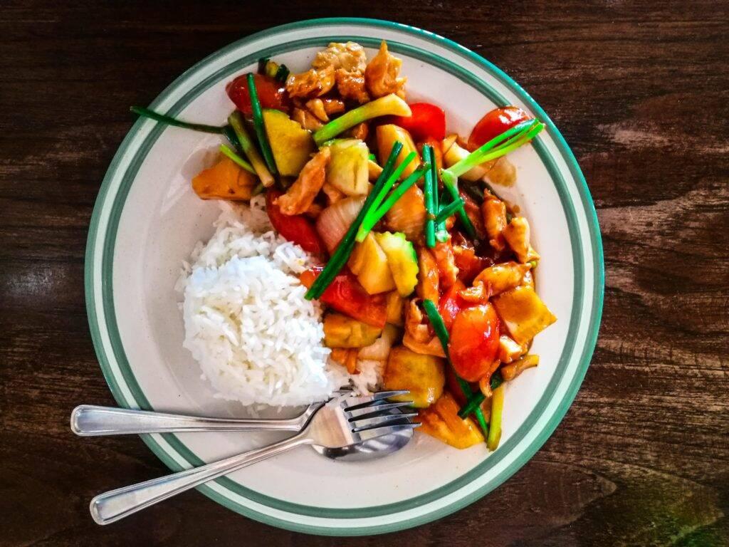 Sweet and Sour - um dos nossos pratos favoritos na Tailândia - thai food   sweet and sour