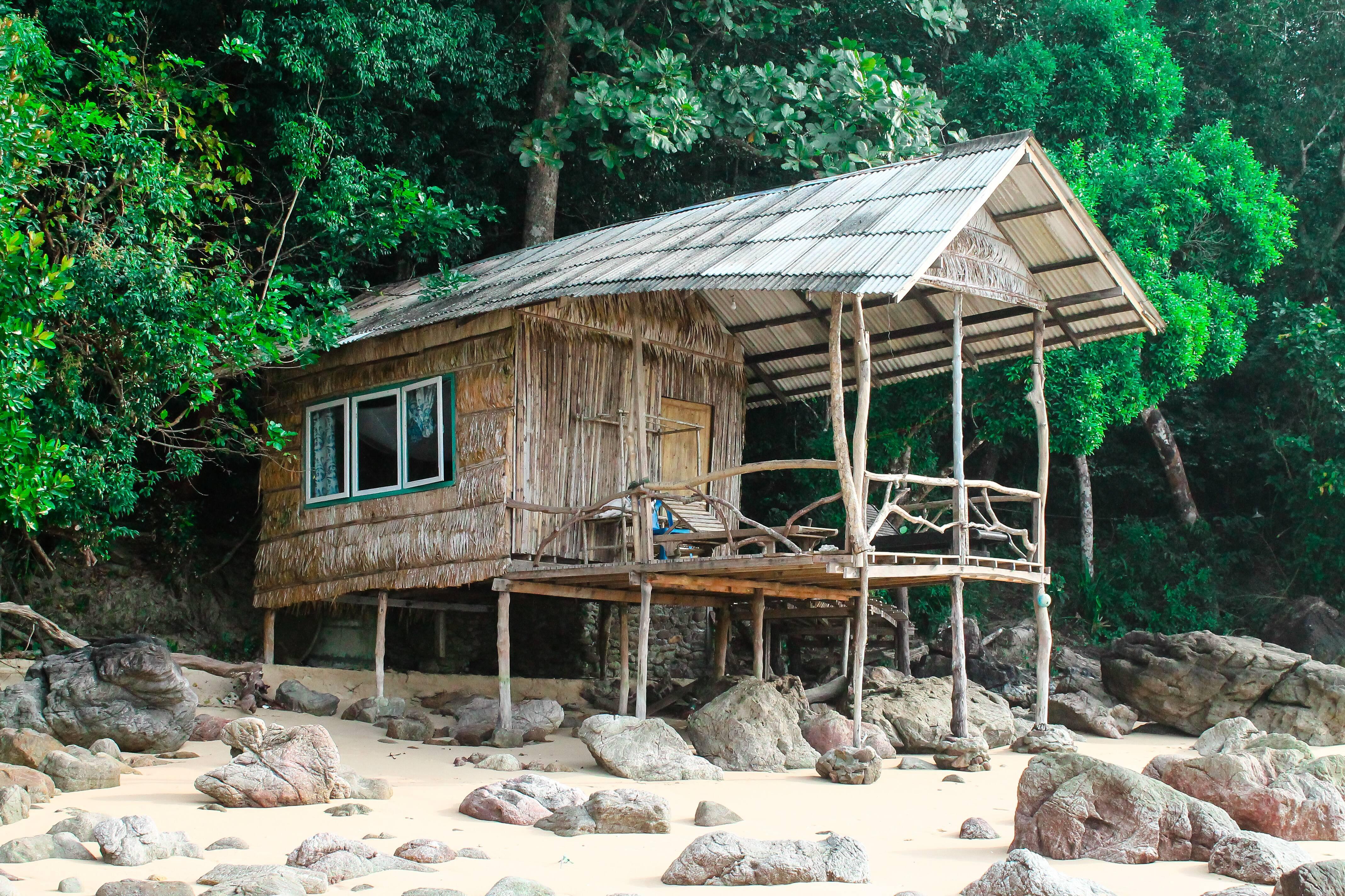 Bangalô charmoso em Ao Kwang Peeb, uma das praias mais lindas que Koh Phayam