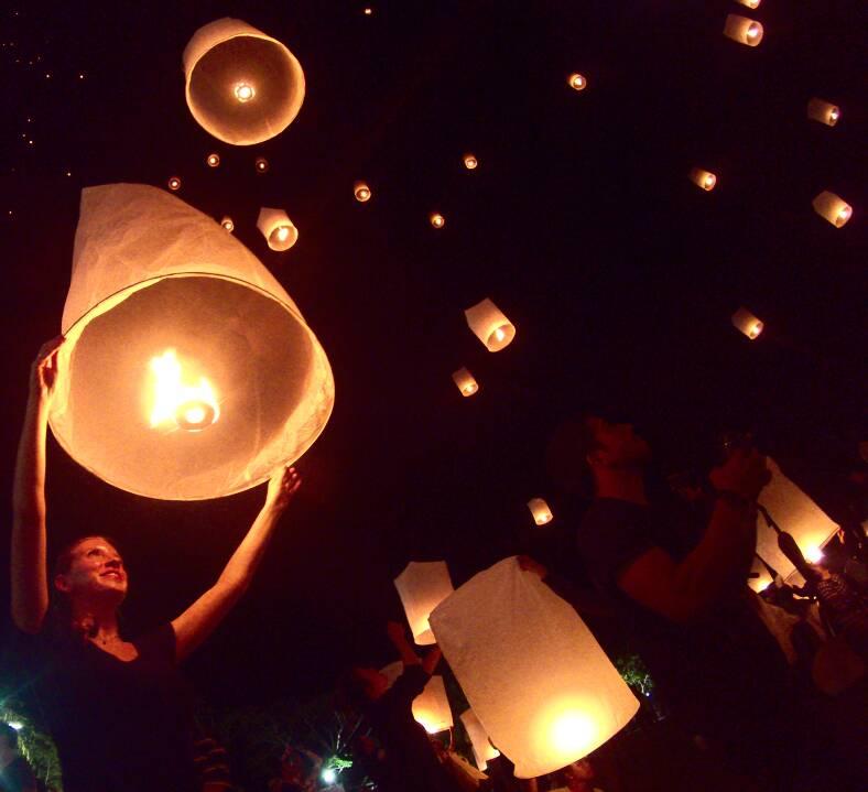 Festival das lanternas eventos pagos em Chiang Mai na Tailândia