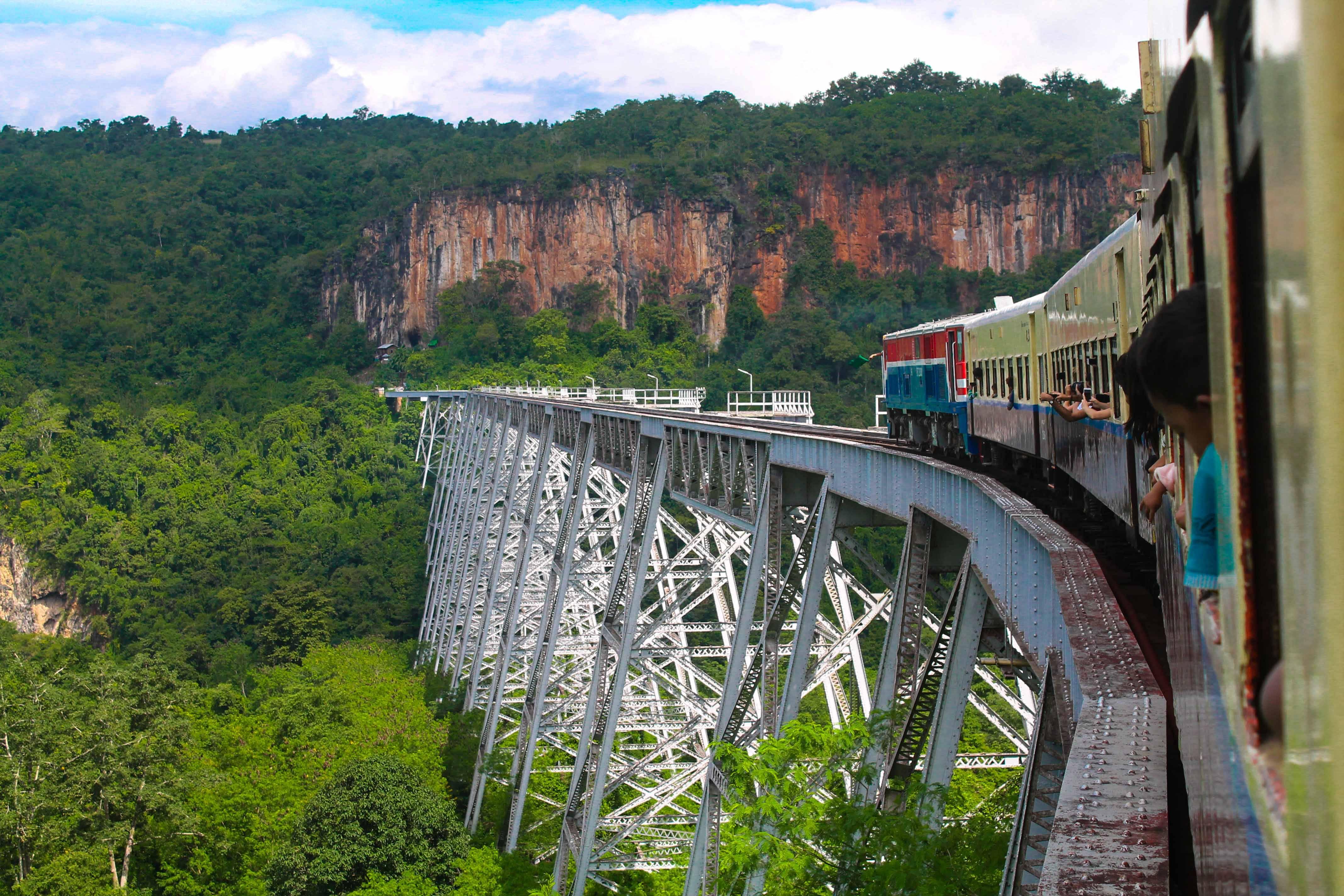 Trem no Myanmar – como é um trem no país e as classes para viajar