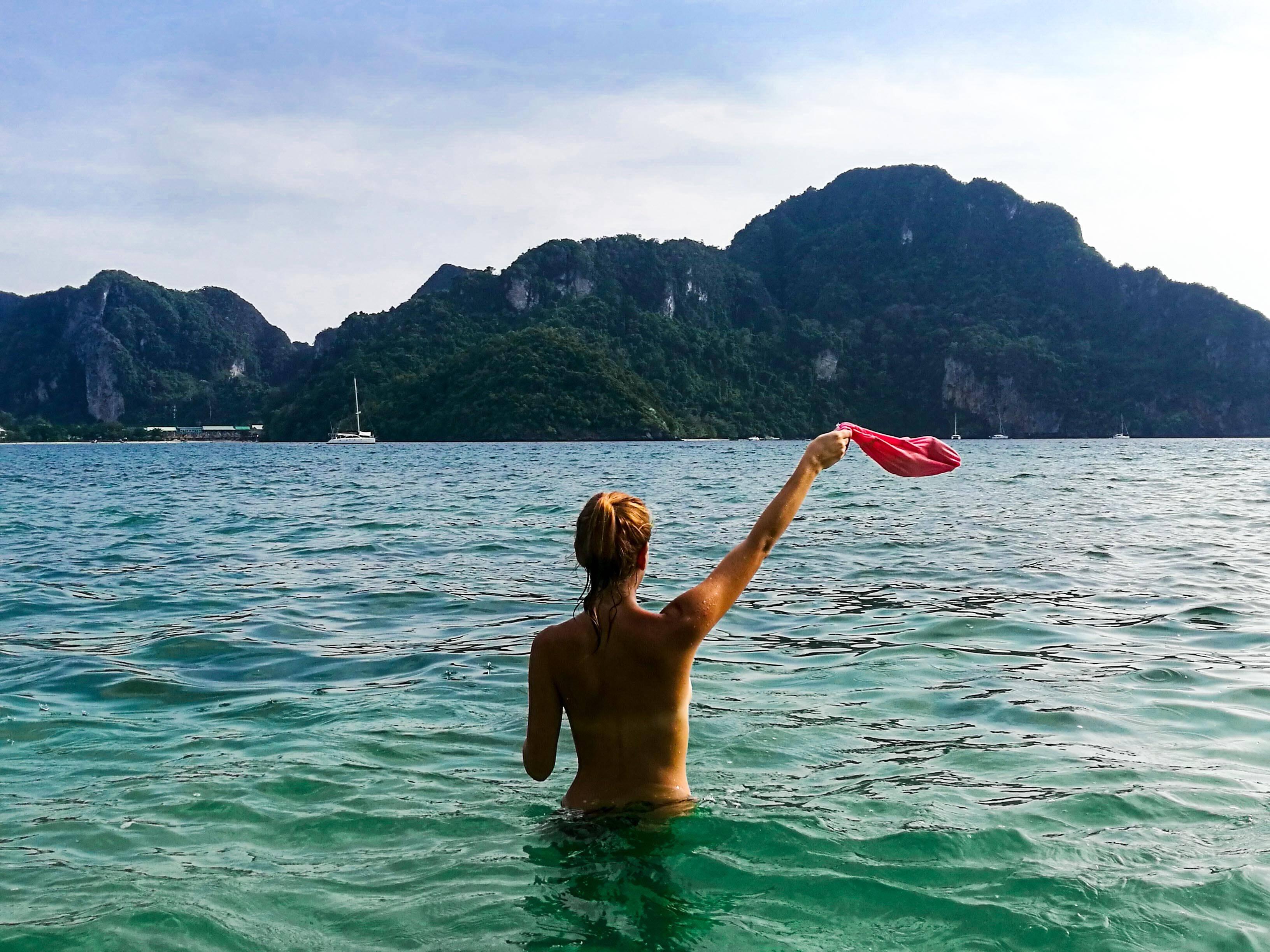 Coisas diferentes para fazer em Koh Phi Phi: praia deserta