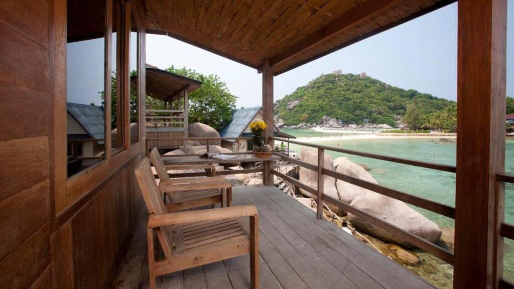 Varanda do quarto no Nangyuan Island Dive Resort - onde ficar em Koh Tao