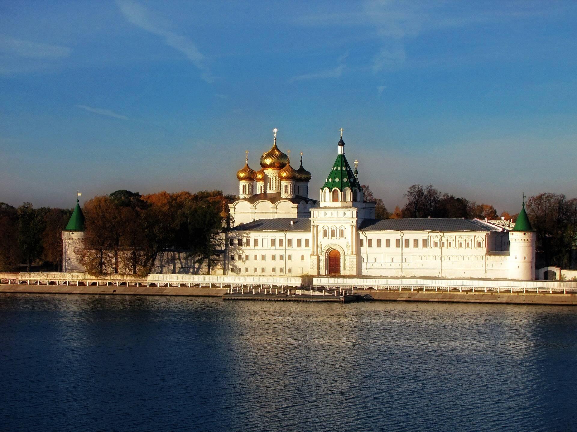 Uma das atrações de Kostroma, no Golden Ring de Moscou. cidades da Rússia
